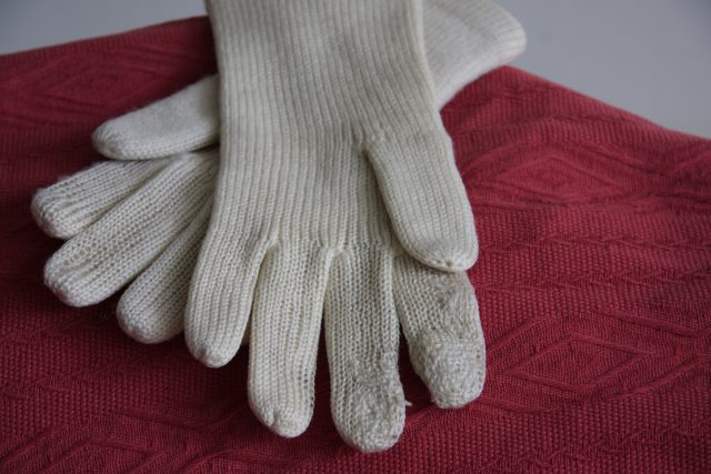 old white gloves